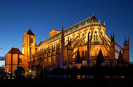 270px-Kathedrale_Bourges_v2