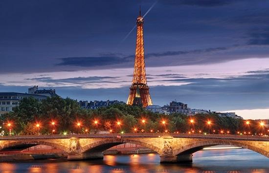 Terroirs_Travels_Eiffel_Tower_Night_image