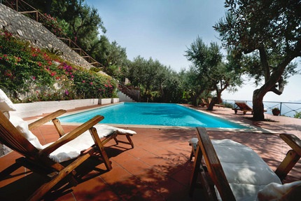 Terroirs Travels Italian villa pool image