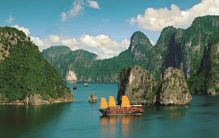 Terroirs_Travels_Ha_Long_Bay_image