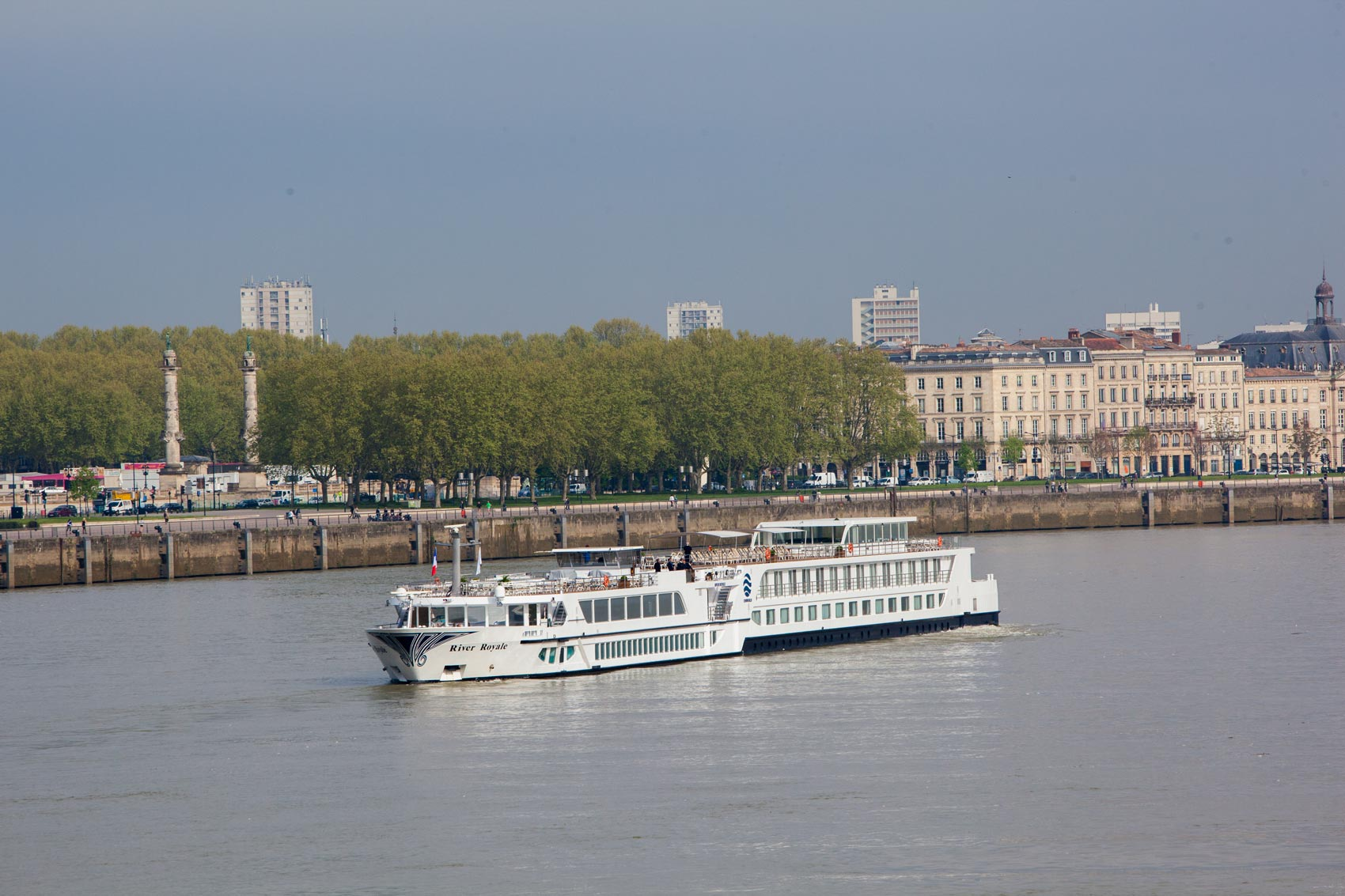 UW-RR-FR-Exterior-Bordeaux-7101=0-1
